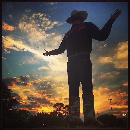 sunset sky orange clouds square dallas texas squareformat bigtex iphone statefairoftexas iphoneography matthewvisinsky mattvisinsky instagramapp uploaded:by=instagram