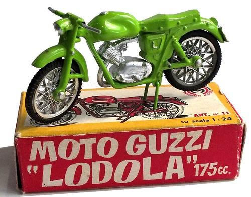 Mignon Moto Guzzi Lodola (1)