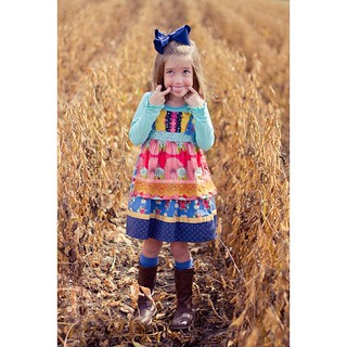 Austin's best pics are always in the soybeans.  #mamasgirl #minime #fallfamilyphotos #farmersdaughter