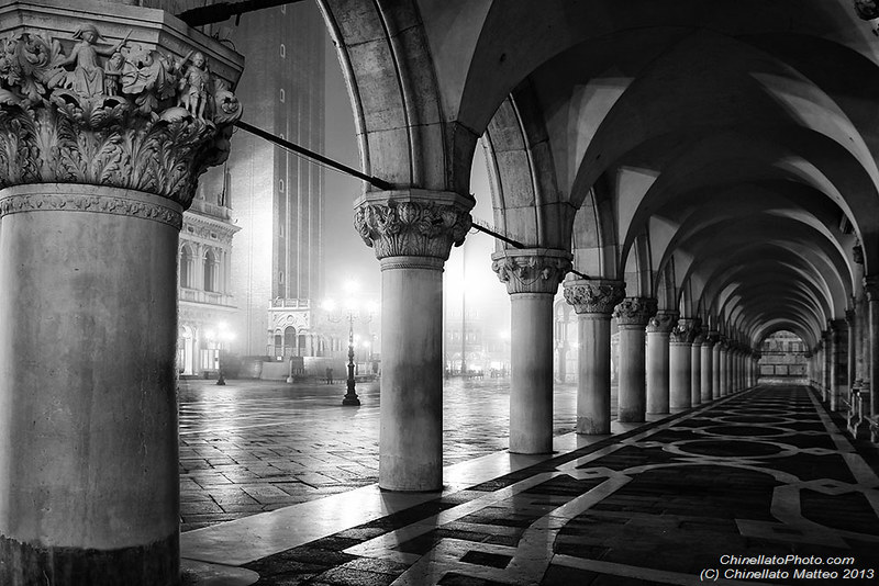 All rights reserved venice in black white