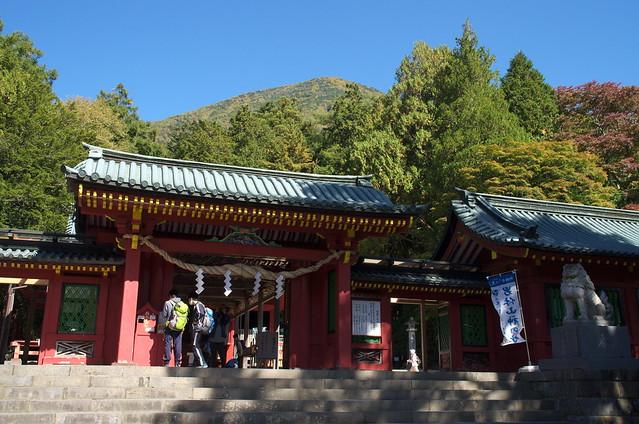 二荒山神社から男体山