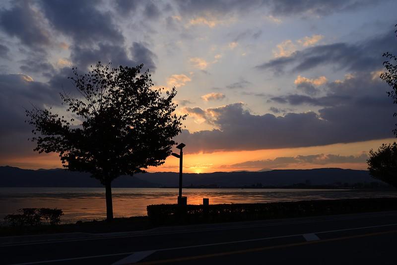 諏訪湖の日没