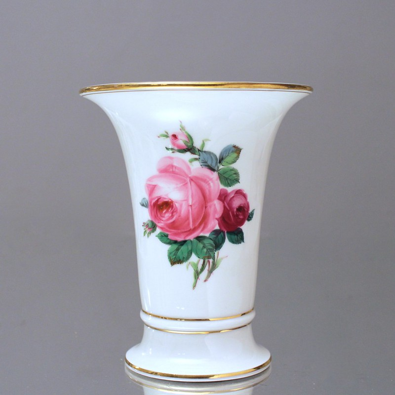 meissen trichtervase rote rosen vase rosa rose 17 cm trompetenvase gold. Black Bedroom Furniture Sets. Home Design Ideas