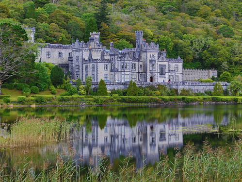 ireland mountain lake reflection green castle history galway monument canon eos ancient mark abby iii palace valley 5d celtic dslr hdr 24105 kylemore velley canoneos5dmarkiii 5dm3