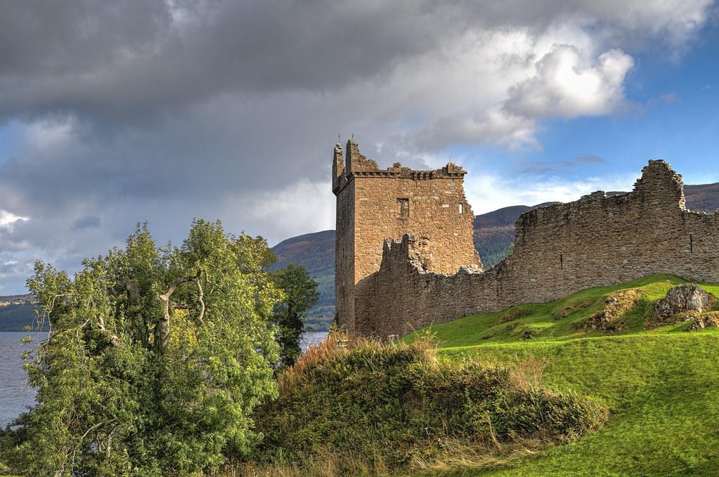 Urquhart Castle 2014-10-04 (IMG_1043-5)