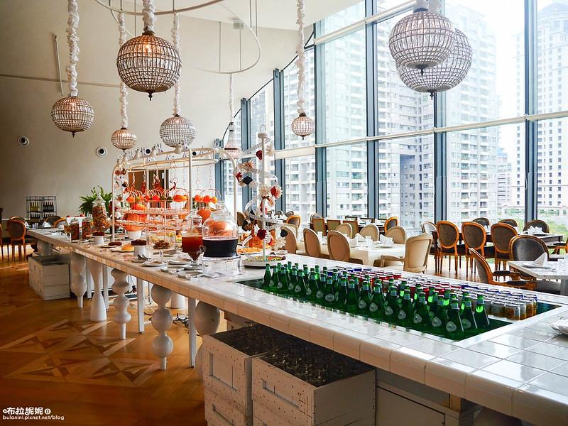 (台中餐廳推薦)在國家歌劇院來場視野與味蕾的奢侈饗宴吧@VVG PLAY法式餐廳BUFFET吃到飽