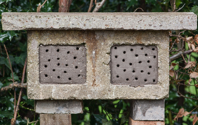 New wing to bee-hotel!