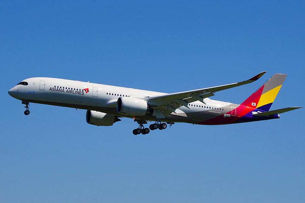 HL8078 - A359 - Asiana Airlines