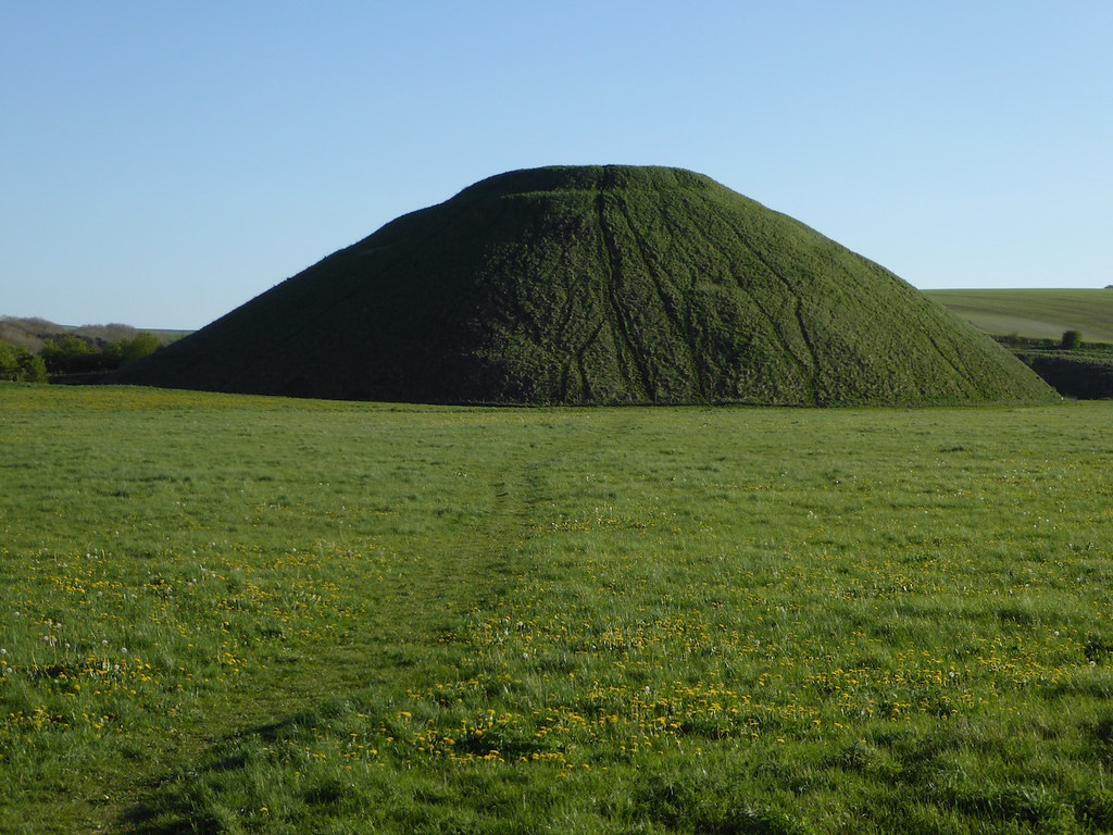 Silbury Hill Pewsey to Avebury walk