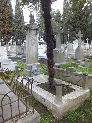 Gróf Széchényi Ödön síremléke Isztambulban