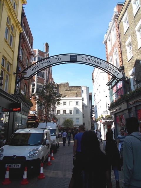 LONDON 0982