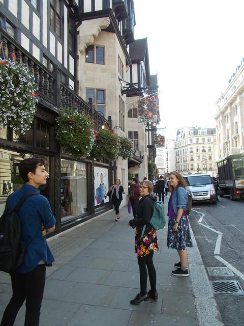 LONDON 0983