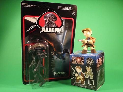 Loot Crate - Alien & Mal