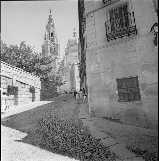 Catedral de Toledo en los años 50. Fotografía de Francesc Catalá Roca © Arxiu Fotogràfic de l'Arxiu Històric del Col·legi d'Arquitectes de Catalunya. Signatura B_13524_1151