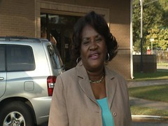 Some members of the community in Gordon are supporting Mayor Mary Ann Whipple-Lue while a group of people wants to hold her in contempt of court. http://ift.tt/ZpMie0