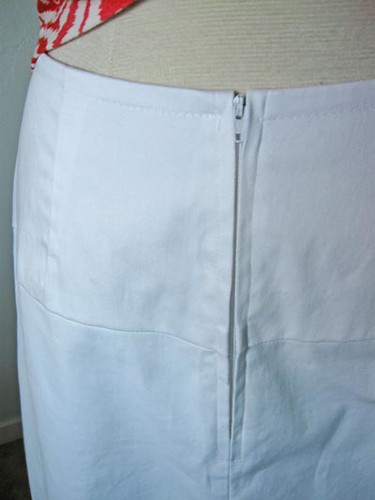 V1247 white skirt zip