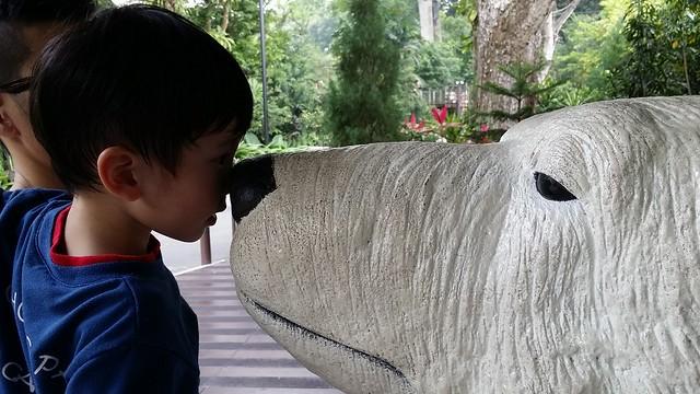 Eskimo kiss with the Polar Bear