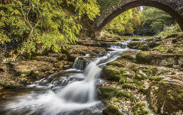 Cauldron falls yorkshire dales