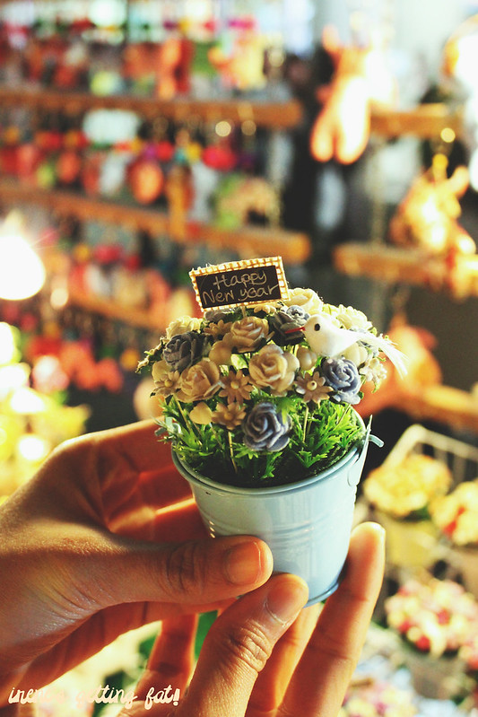 night-market-flower-pot