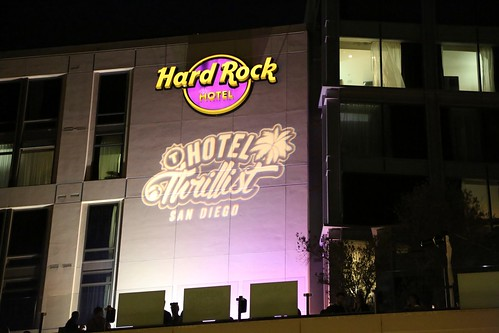 Hard Rock x Hotel Thrillist Logo