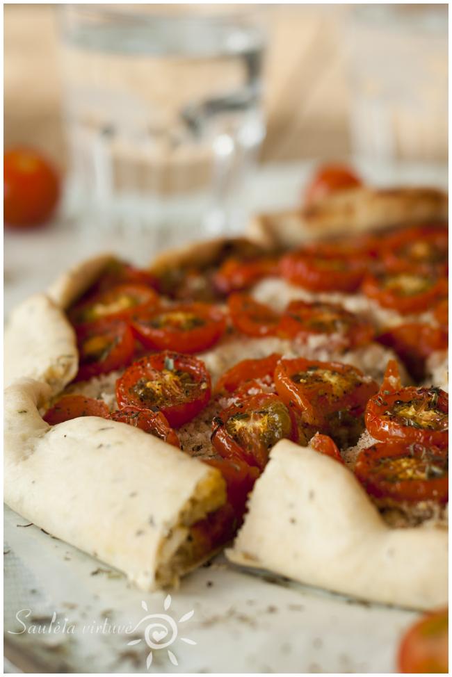 Pyragas su varškės sūriu ir pomidorais (5)