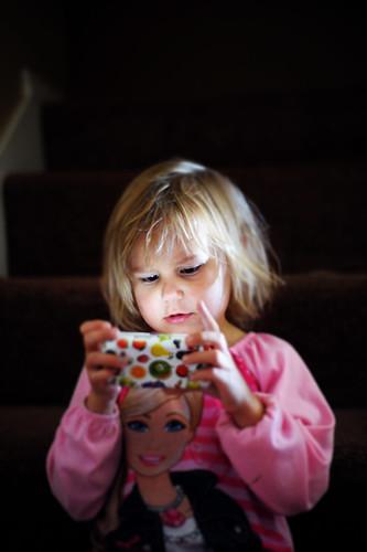 child-girl-screen-time.jpg