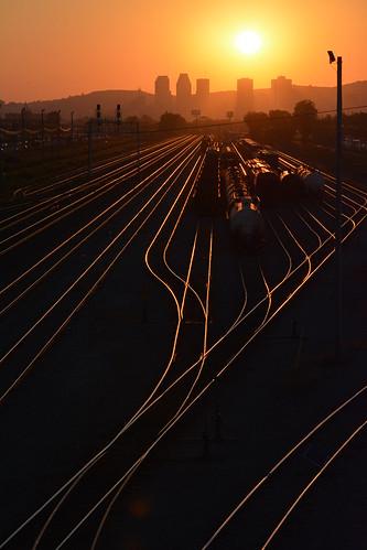 railroad sunset train montreal rail couchersoleil