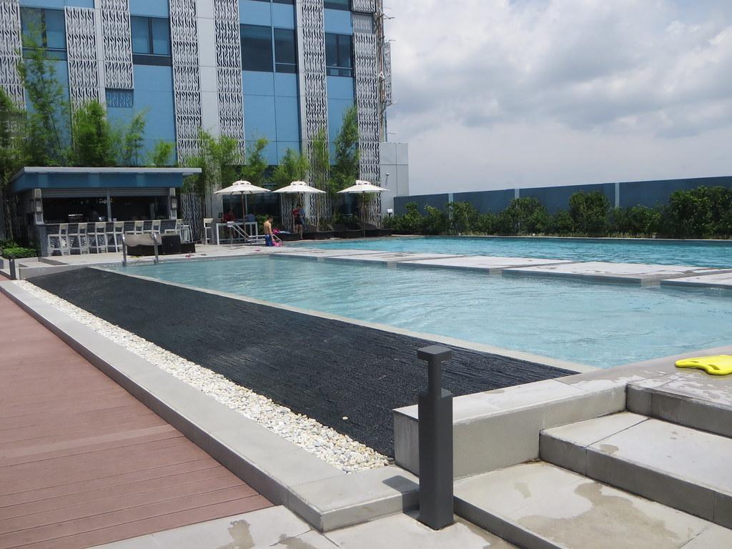 Staycation At Crimson Hotel Alabang Joei Me
