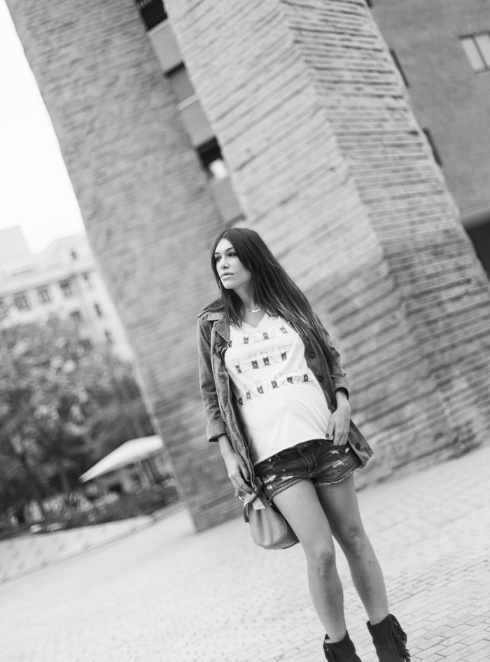 street style barbara crespo hakei skull military jacket sendra boots miu miu bag fashion blogger outfit blog de moda