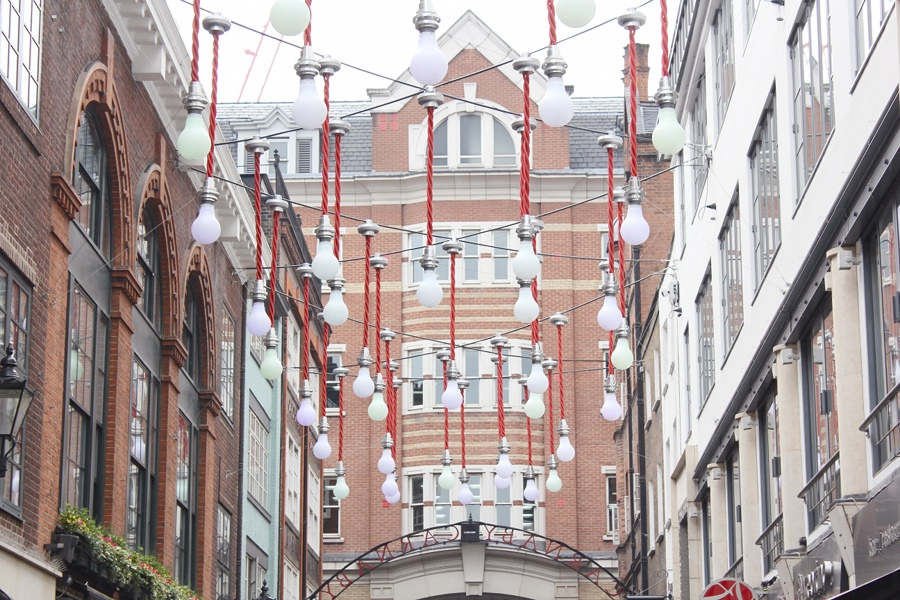 london-carnaby-2014-lamps-light-pastel-art