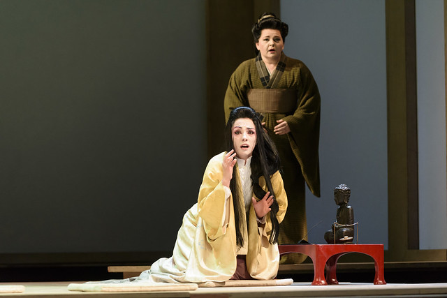 Ermonela Jaho and Elizabeth de Shong in Madama Butterfly © ROH 2017. Photograph by Bill Cooper