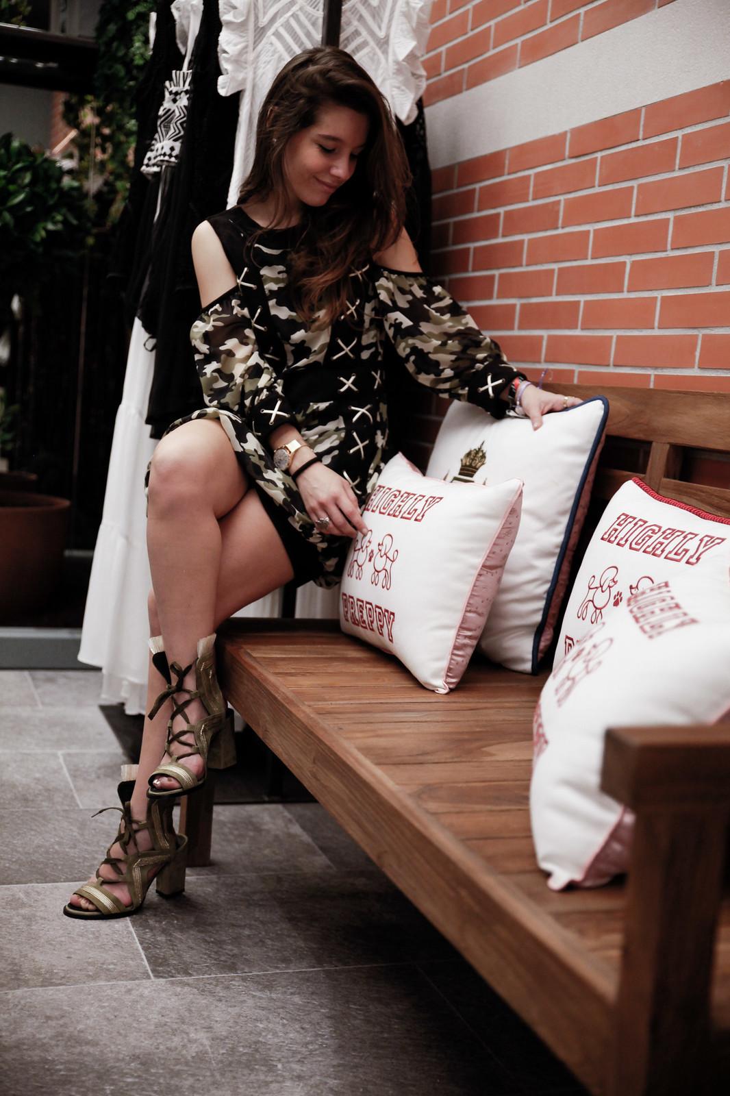 04_Highly_Preppy_abre_su_primera_tienda_en_Bilbao_influencers_fashion_lifestyle_theguestgirl_look_military_khaki_ootd