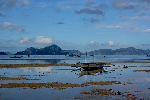 corongcorong palawan philippines asie asia asiedusudest southeastasia voyage travel paysage landscape reflets reflections ciel sky nuages clouds paysagekarstique plage beach sable sand elnido exterieur outside matin morning maréebasse lowtide