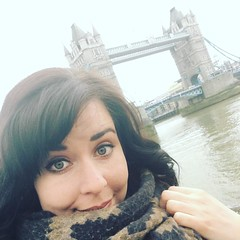 Hello Tower Bridge :heart::european_castle::heart_eyes: - - - - - - #selfie #towerbridge #toweroflondon #london #londontravel #travellondon #explorelondon #travel #tourist #keeptraveling #travelphotography #europeantravel #exploreeurope #exploremore #euro