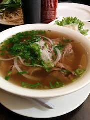 noodle(0.0), bãºn bã² huế(0.0), beef noodle soup(0.0), noodle soup(1.0), kuy teav(1.0), meat(1.0), pho(1.0), food(1.0), dish(1.0), soup(1.0), cuisine(1.0),