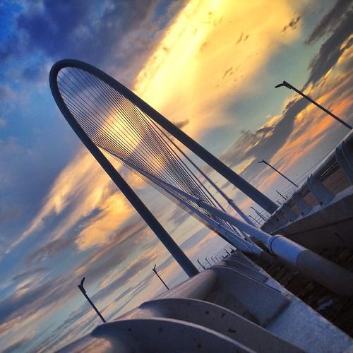 sunset dallastx dallasskyline margarethunthillbridge josephhaubert