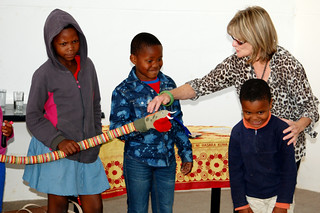 Di Hofmeyr with volunteers from the Children's Book Network