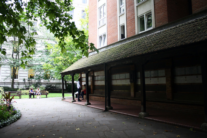 london photograohy blog. postmans park