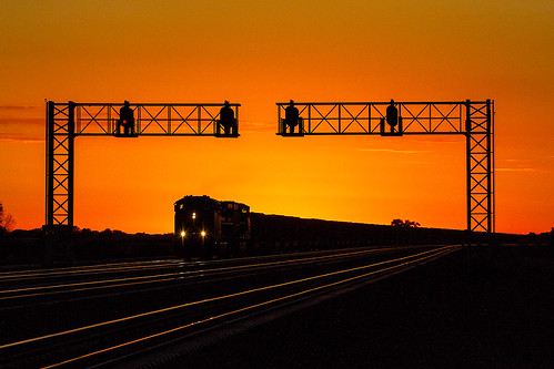 up sunrise dawn nebraska trains unionpacific hershey freighttrains ge northplatte coaltrains kearneysub