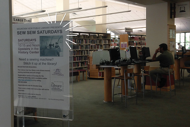 Costura na biblioteca