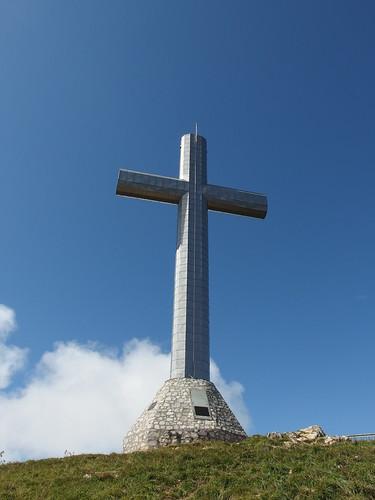 Giant cross @ Hike to Croix du Nivolet
