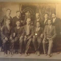 Y como es de grato encontrarse con una foto de mi bisabuelo Teodulo Rodas Calderón como uno de los hombres principales del Estado de Los Altos. La sangre revolucionaria, soberana e independentista corre por nuestras venas desde mi tatatarabuelo!   #Quetza