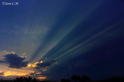 El atardecer de un día nublado en el Paisaje Protegido de Rambla Salada (Región de Murcia, España)