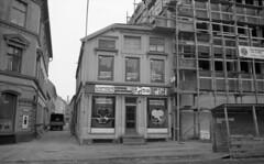 Lillebutikkens gatekjøkken / Dronningens gate 13 (1972)