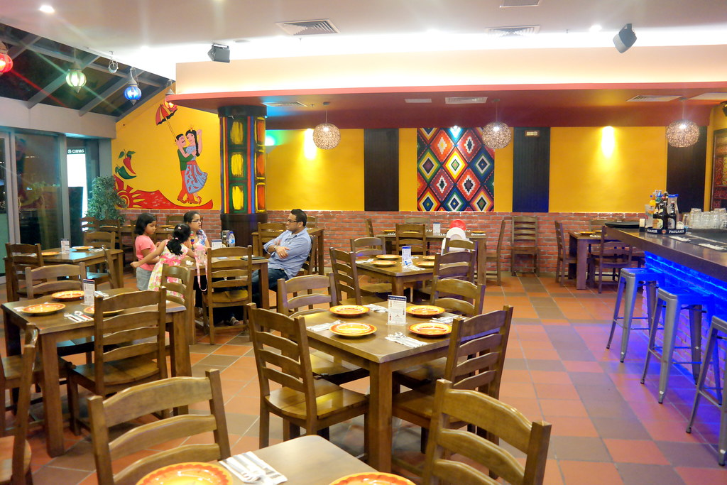 Myra's @ The Stadium: Interior