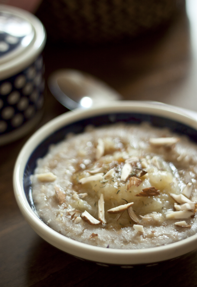 porridge with apples