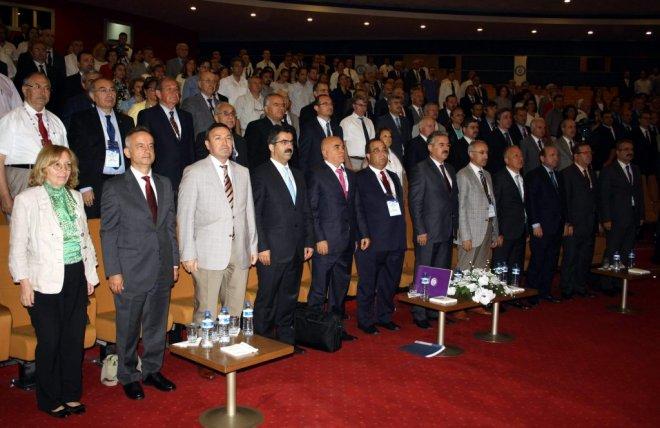 Rektör Tarhan Üniversitelerarası Kurul Toplantısına Katıldı