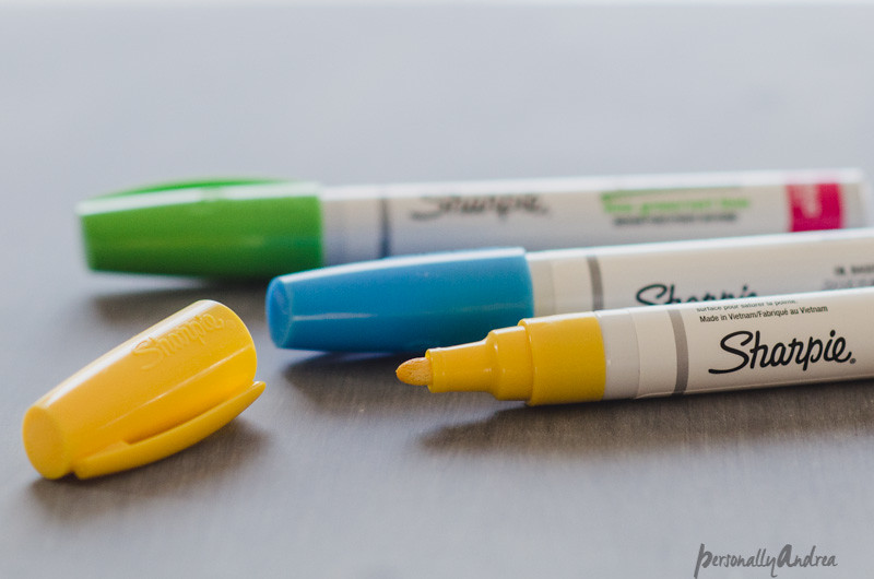 Paint sharpies, green, blue and yellow | personallyandrea.com #sharpie