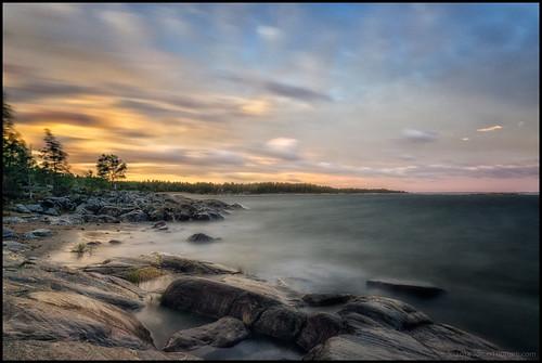 longexposure morning autumn sea storm fall beach clouds strand forest rocks cliffs skog höst havet hav morgon moln klippor storsand långexponering