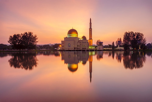 lake reflection sunrise mosque masjid lakeraysray